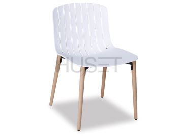 Gotcha Chair White With Beechwood Legs by Enrique Marti for OOLand image