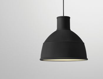 Unfold Pendant Black by Form Us With Love for Muuto image