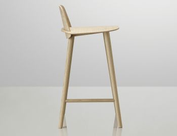 Nerd Bar Stool Oak by David Geckeler for Muuto image