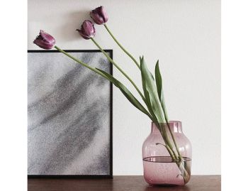 Silent Vase in Rose by Andreas Engesvik for Muuto image