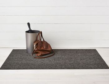 Shag Heathered Black/Tan In/Outdoor Floor Mat by Chilewich image